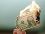 За привязку цен к доллару предприятия будут штрафовать  Фото с сайта korrespondent.net