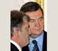 Ющенко обеспокоен ситуацией с загранпаспортами в Украине
