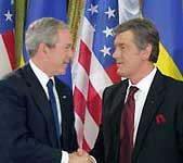 Буш заявил, что никто не имеет права диктовать Украине, в каком направлении двигаться