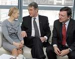 Ющенко, Тимошенко и глава ЕК Баррозу во время переговоров в Брюсселе
