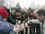 На конец 2008 года в России было зарегистрировано 2,1 млн человек, больных алкоголизмом.