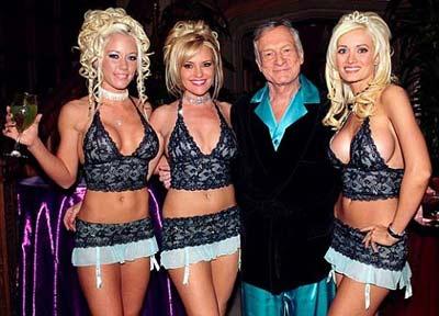83-летний основатель Playboy расстался с двумя 20-летними любовницами