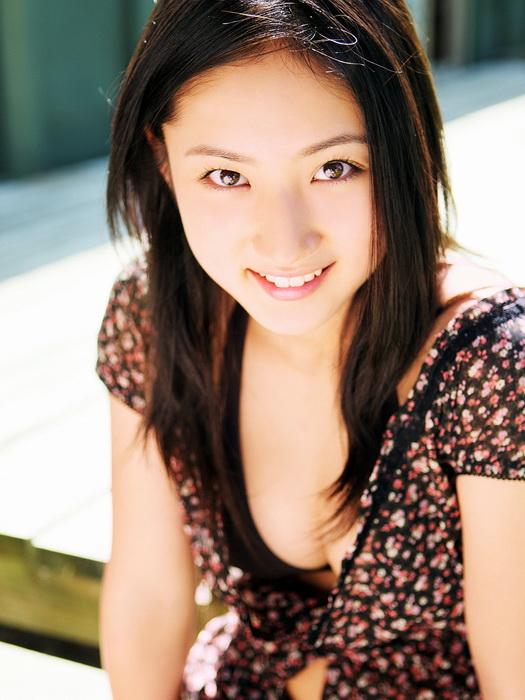 Новая фотосессия японской актрисы и певицы Saaya Irie