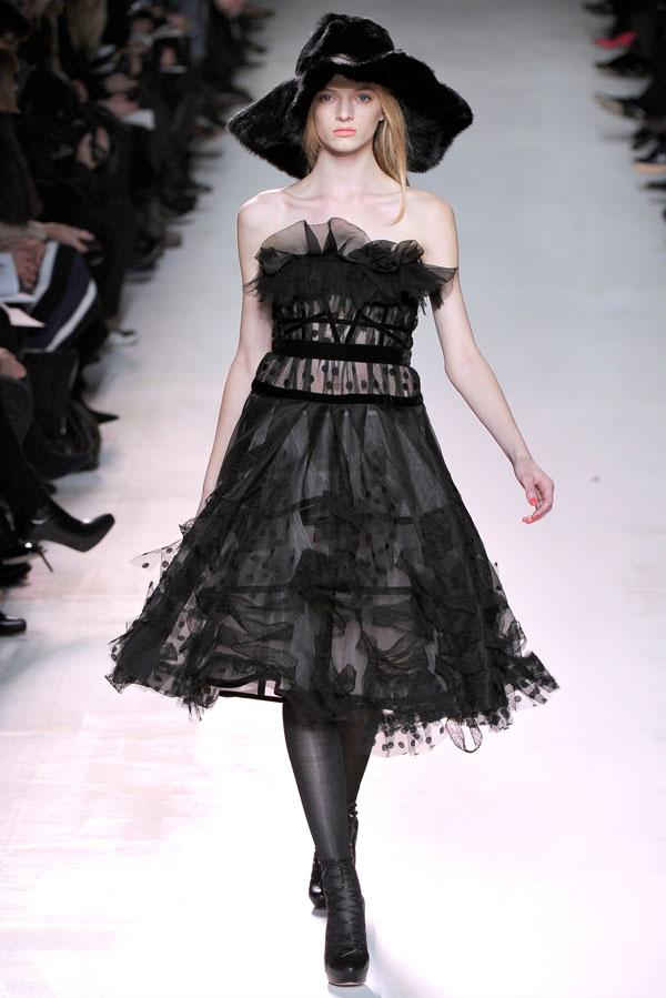 Неделя моды в Париже: Nina Ricci Fall 2011