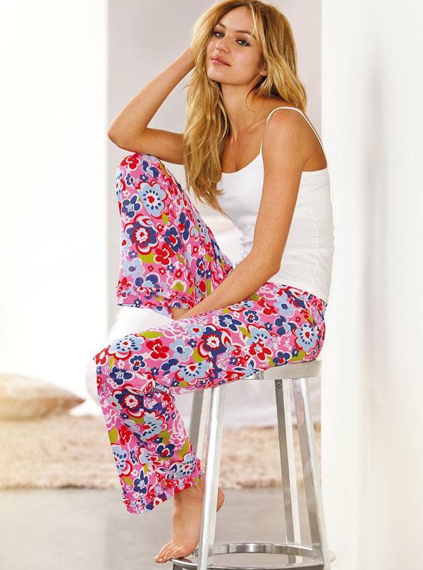 Кэндис Свэйнпоул в нижнем белье от Victoria's Secret