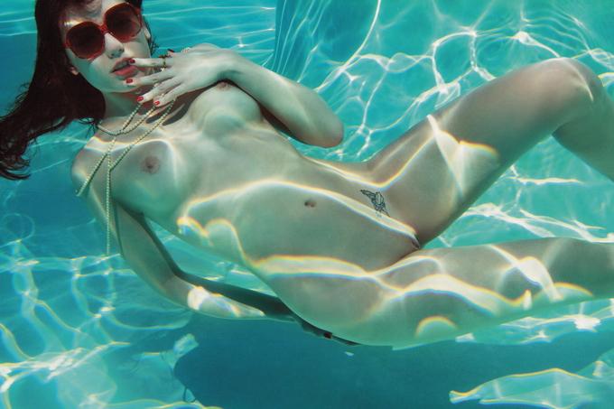 Дэйзи Лоу в Playboy.