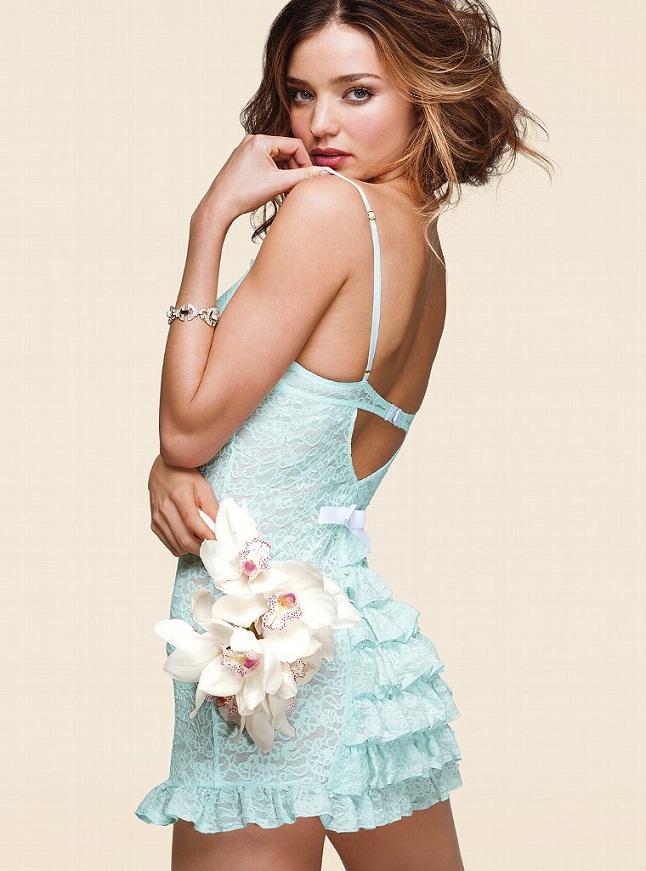 Міранда Керр у весільному каталозі Victoria's Secret. Фото Miranda Kerr