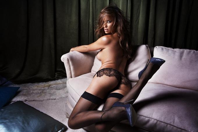 Ірина Шейк для GQ. Фото оголеної Ірина Шейк