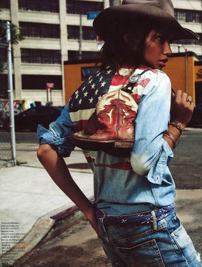 Адріана Ліма на Дикому Заході. Фото Adriana Lima