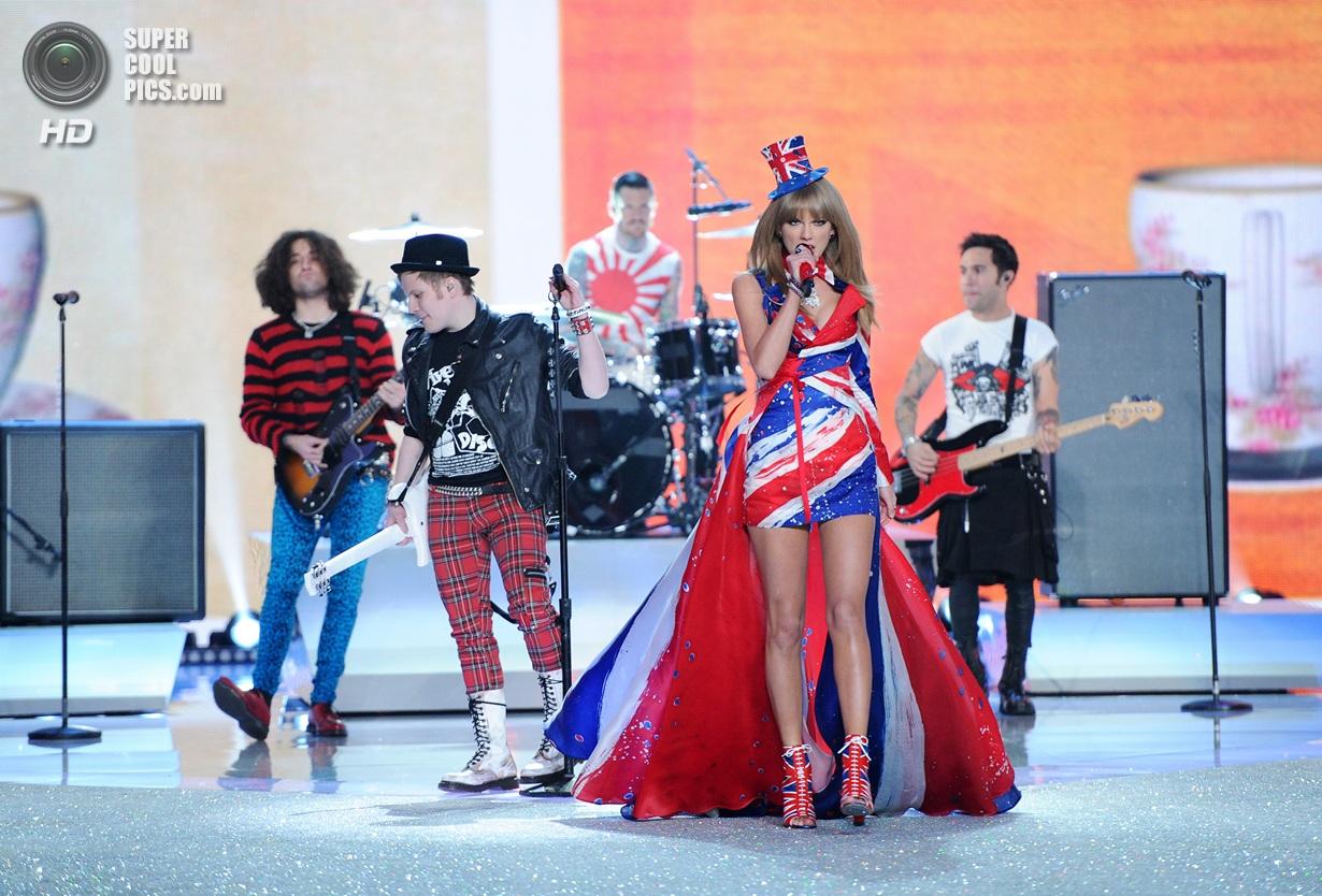 В Нью-Йорку відбулося щорічне фешн-шоу провідного бренду нижньої білизни Victoria's Secret.