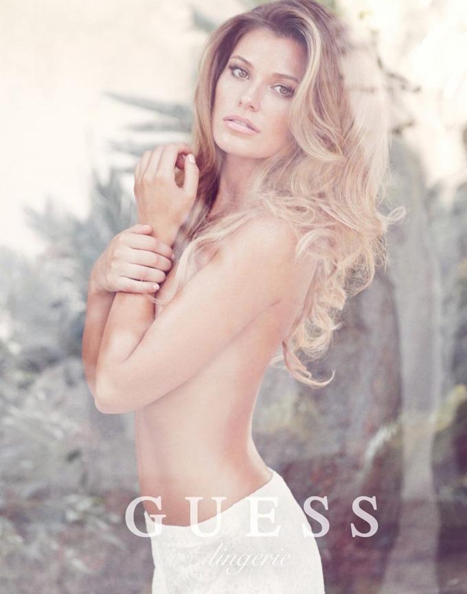 Саманта Хупс в рекламі нижньої білизни Guess. Фото Samantha Hoopes
