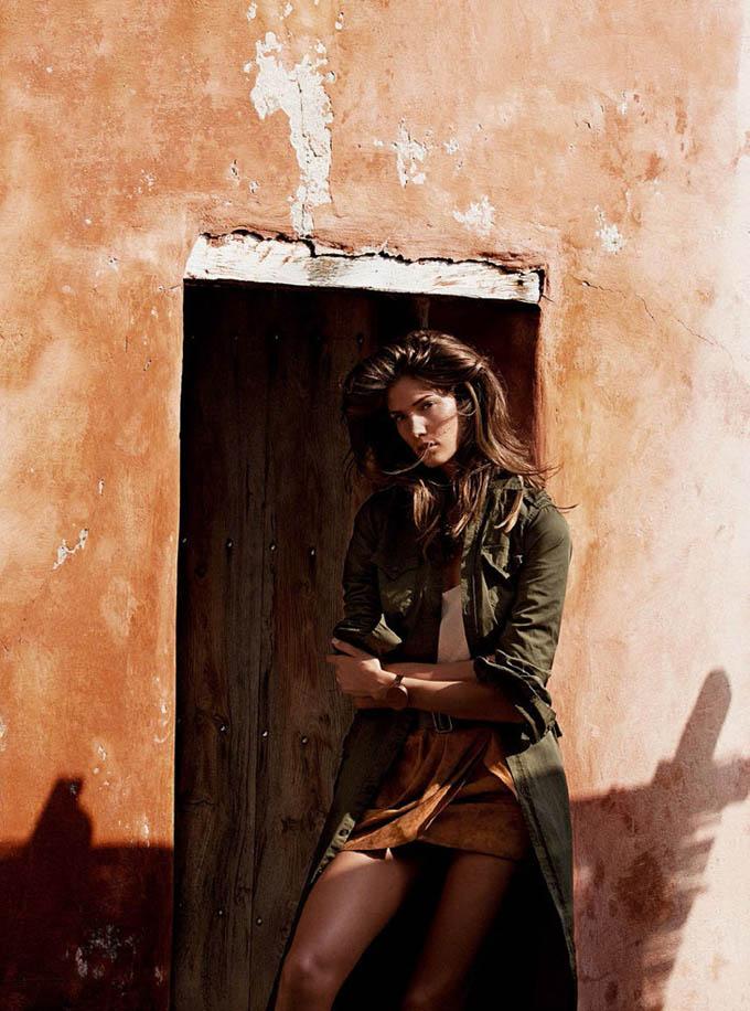 Кендра Спирс в Vogue Spain. Фото привлекательной брюнетки Kendra Spears