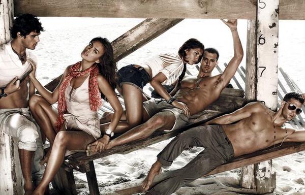 Пляжная реклама Armani Exchange