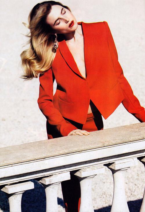 Красная девица Dree Hemingway Дри Хэмингуэй