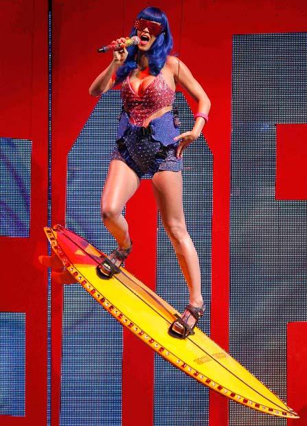 Выступление Кэти Перри Katy Perry с новым синглом «California Girls».