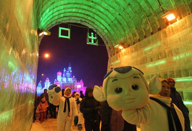 Фестиваль льда и снега в китайском городе Харбине