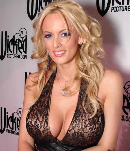 Американская порнозвезда Stormy Daniels